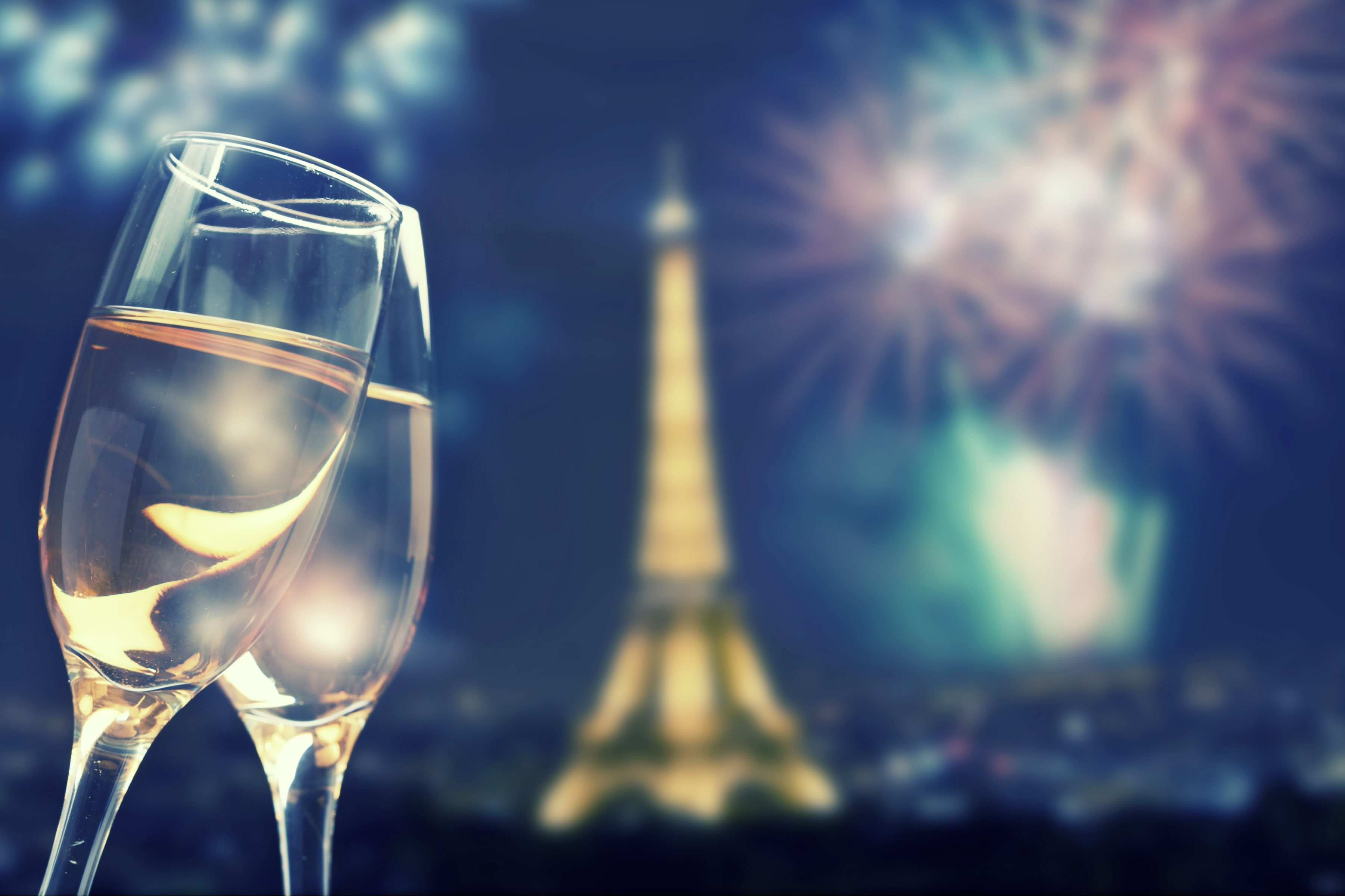 Coupes Champagne Tour Eiffel