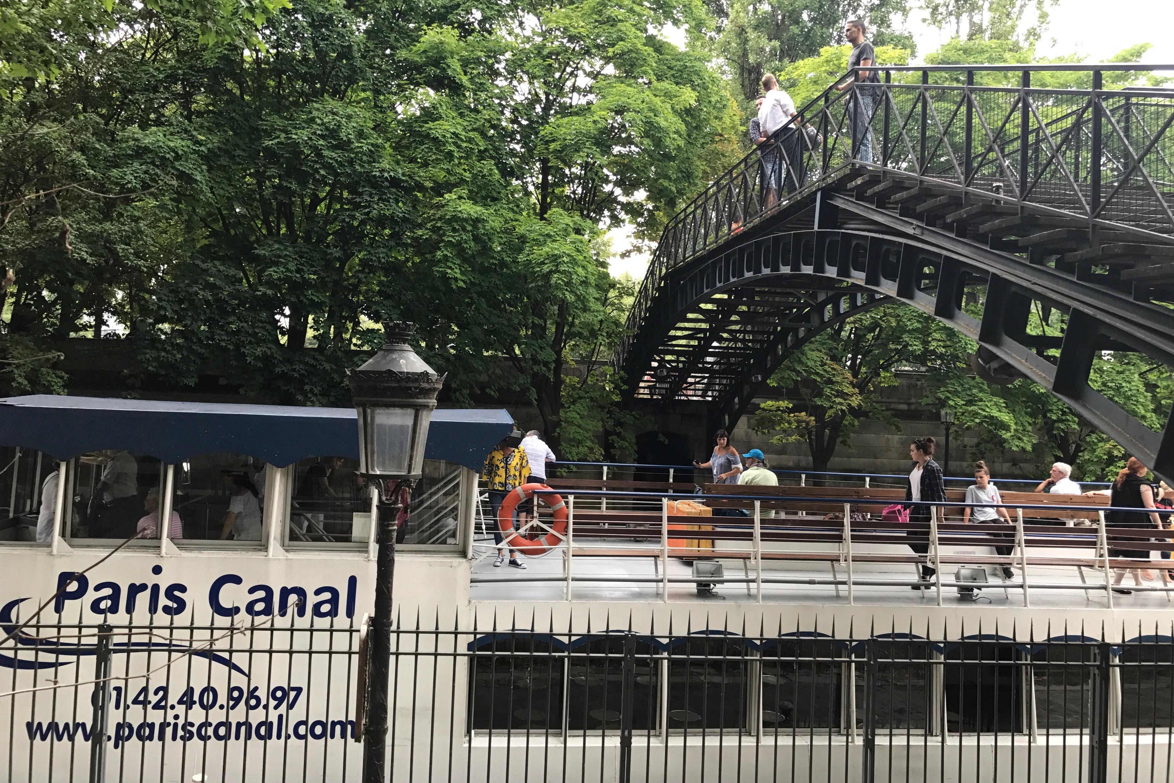Le Canotier passerelle Canal Saint martin