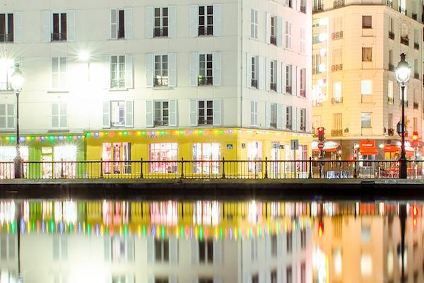 Le Canal Saint martin et ses boutiques illuminées